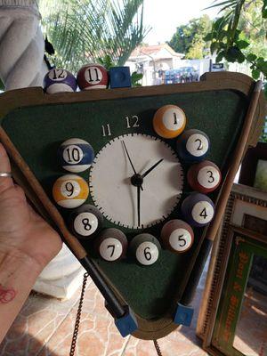 Reloj y mirror antic for Sale in Miami, FL
