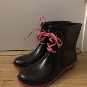 Women's Rain Boots Size 10 for Sale in Chicago, IL