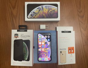 iPhone XS Max 64 GB Unlocked w/ Accessories for Sale in Las Vegas, NV