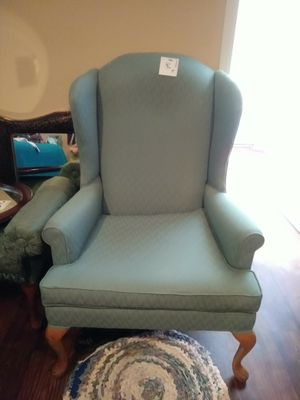 Chair oval mirror square mirror for Sale in Lubbock, TX