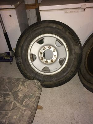 17 HF 250 Stock Rims Center caps Lugnuts for Sale in Richton, MS