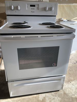 Whirlpoool stove & Frigidaire dishwasher for Sale in Venus, TX