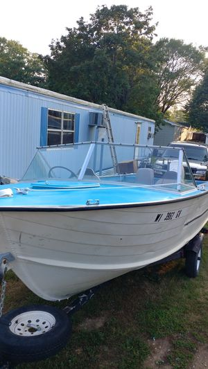 18 foot Starcraft Johnson 40 HP for Sale in Red Wing, MN