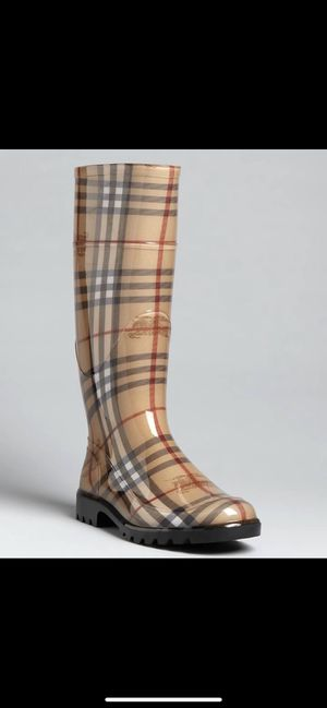 Burberry Rain boots size 37 for Sale in Fort Lauderdale, FL