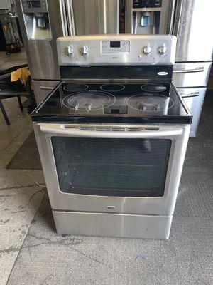 Electric stove Maytag good condition 90 days warranty estufa eléctrica Maytag buenas condiciones 90 dias de garantía for Sale in San Leandro, CA
