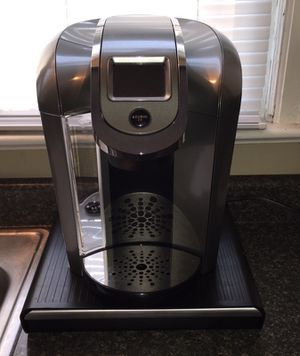 ALMOST NEW KEURIG WITH POD DRAWER for Sale in Wichita, KS