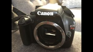 Canon Rebel T3 - 3 lenses and accessories for Sale in Charleston, SC