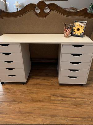 Vanity Desk for Sale in Fontana, CA