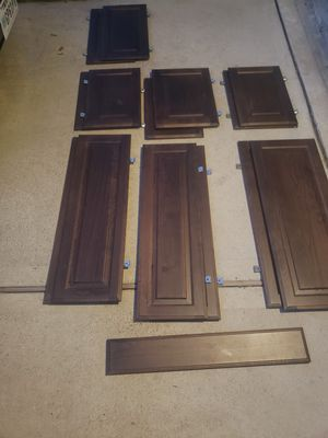 14 Kitchen Cabinet Doors Varies Sizes and One Drawer Face. for Sale in Houston, TX
