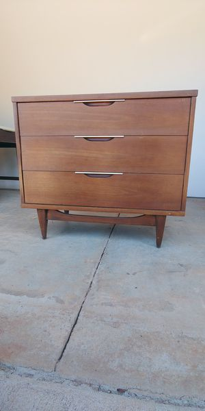 Mid century storage chest for Sale in Boiling Springs, SC