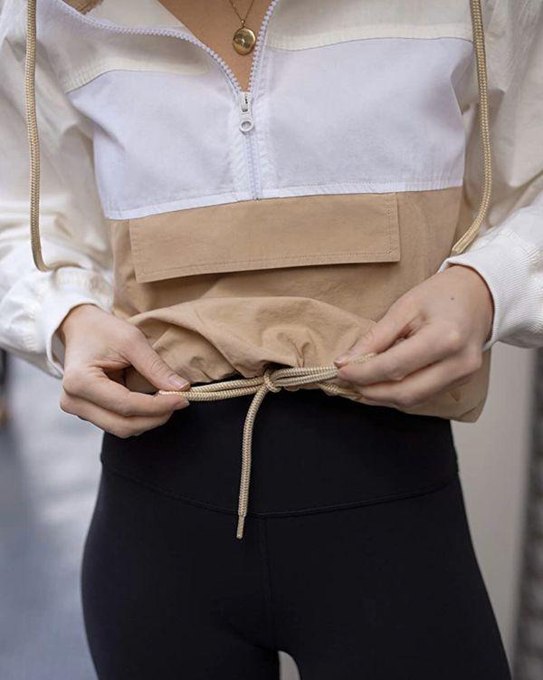 (Size M) Sudadera con capucha y media cremallera para mujer, color arena dorada