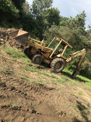 Ford 655a 4x4 backhoe tractor for Sale in Burton, OH