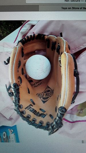 Franklin youth baseball glove leather laced Field Master 4609 9.5 inch rht for Sale in Plant City, FL