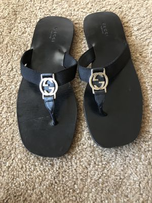 Gucci leather GG logo thong sandal for Sale in Litchfield Park, AZ