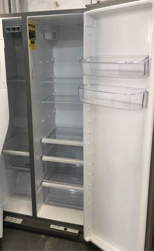 Whirlpool refrigerator WDB for Sale in El Paso, TX