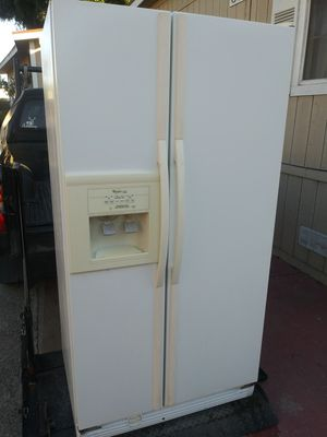 Fridge in working conditions delivery available Fridge for Sale in Long Beach, CA
