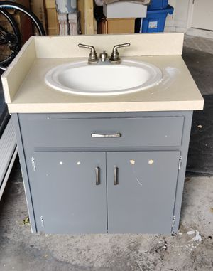 Free Vanity for Sale in Tampa, FL