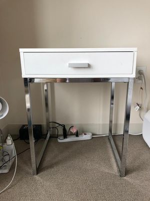 White Modern Nightstand with Drawer for Sale in Boston, MA