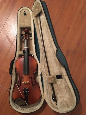 Like New Small Violin with violin case for Sale in Los Angeles, CA