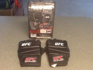 UFC Practice Gloves for Sale in Auburndale, FL