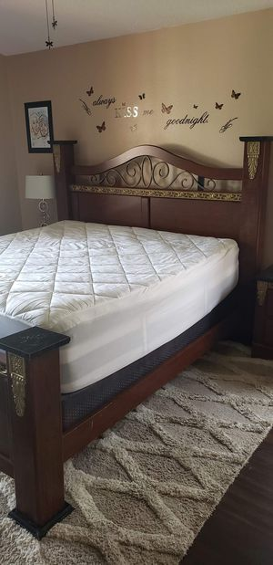 King Size Bedroom Set for Sale in Land O Lakes, FL