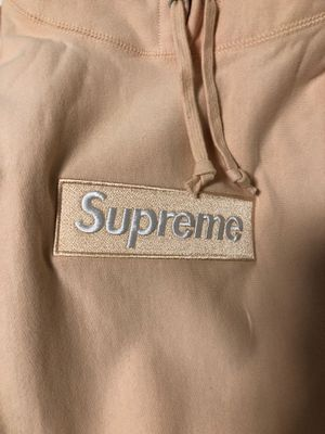 Supreme Box Logo hoodie size medium peach for Sale in Pittsburgh, PA
