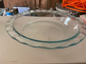 Pyrex 9 1/2 inch round believe cake ware for Sale in Columbus, OH
