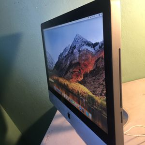 Apple iMac 21.5 inches- MacOS High Sierra for Sale in Huntington Beach, CA