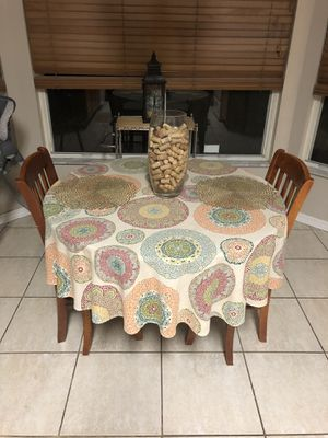 Solid wood kitchen table for Sale in Orlando, FL