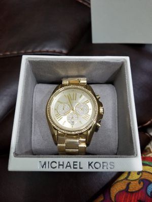 Brand new authentic Michael Kors Bradshaw pave gold tone watch for Sale in Lynnwood, WA