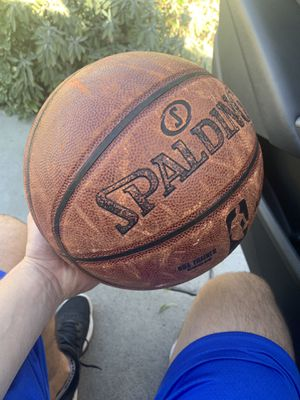 NBA 2 pound WEIGHTED TRAINING AID INDOOR BASKETBALL for Sale in Bellflower, CA