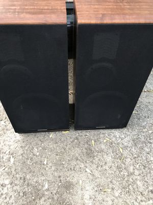 """MARANTZ VINTAGE TOWER SPEAKERS MODEL sp1250 165 watts per channel liquid cooled mint condition cabinets and cover 31.5"""" tall, 15"""" wide, 11"""" deep for Sale in Hammond, IN"""