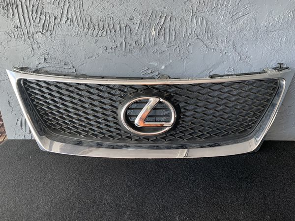 Lexus IS 250 2007. ISF grill