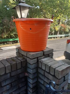 Orange tub for Sale in MIDDLEBRG HTS, OH