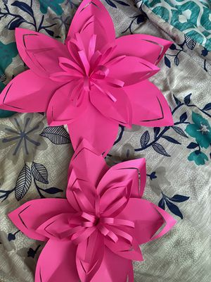 Set of paper flower for decoration for Sale in Bell Gardens, CA