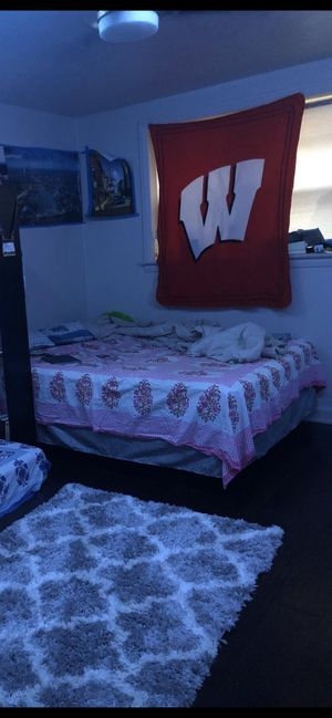 Queen: mattress+box spring+metal frame for Sale in Salt Lake City, UT