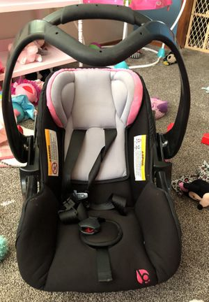 Infant car seat for Sale in Springfield, OH