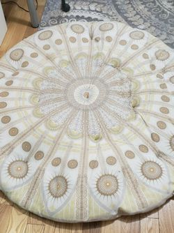 Round Cushion 55inches for Sale in Brooklyn,  NY