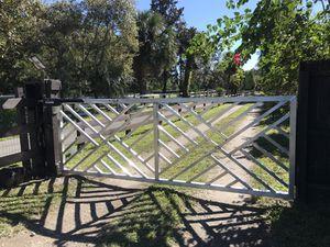 Farm equestrian gate automatic aluminum for Sale in Oviedo, FL