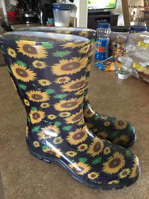 Muck boots size 9 for Sale in NO FORT MYERS, FL