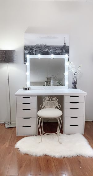 NEW Gorgeous vanity desk 10 drawers unit large Professional Hollywood mirror available delivery for Sale in Des Plaines, IL