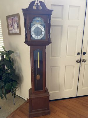 Antique grandfather clock for Sale in Rancho Cucamonga, CA