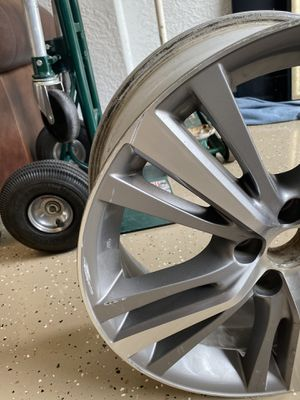 Dunlap GrandTrek P235/55/R19 tire and rim for Sale in Fort Myers, FL
