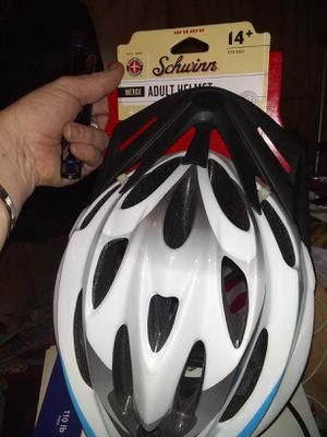 Schwinn adult helmet for Sale in New Bern, NC