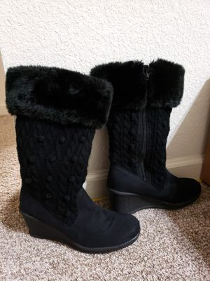 Warm cozy women boots sz 8 New. for Sale in Milpitas, CA