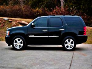 Split folding rear seat _2008 Tahoe 5.3, V8 for Sale in Hanford, CA