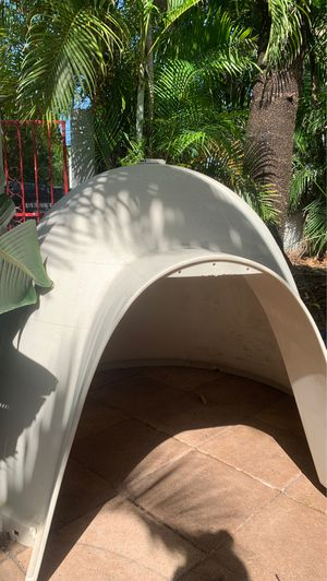 Dog house (Dogloo) for Sale in Hollywood, FL