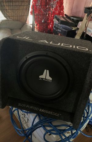 10inch jl audio basswedge for Sale in Foothill Farms, CA