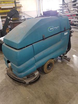 Tennant 5680 Floor Scrubber for Sale in Warren, MI