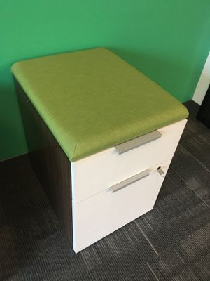 HON Pedestal, rolling filing cabinet for Sale in San Diego, CA
